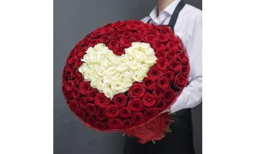 Цветы в корзине купить Адлер