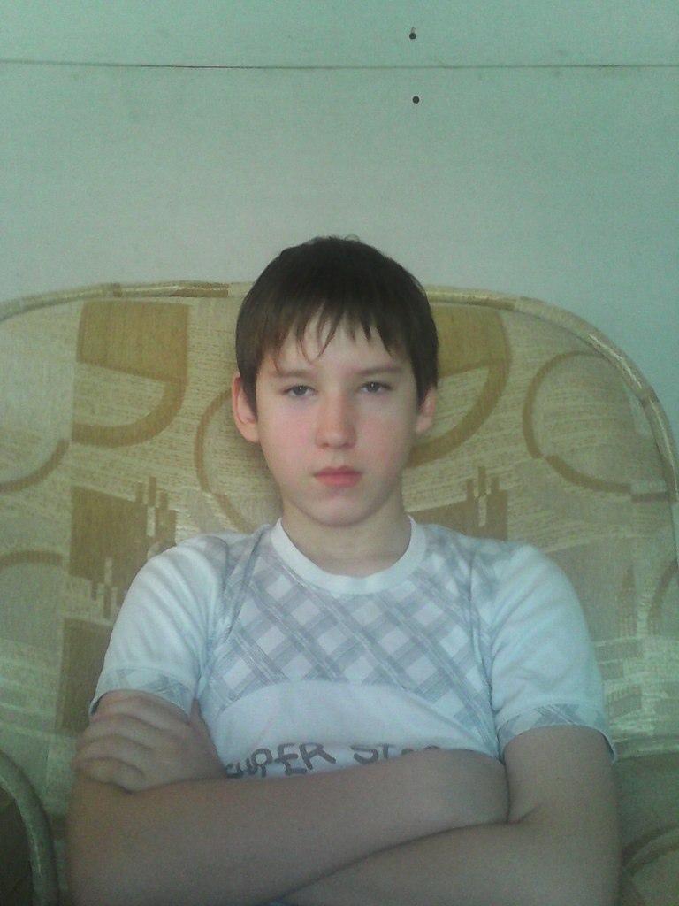 Антон, 21, Lys'va