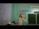 Музыка А. Пахмутовой, слова В. Фирсова Хорошо, когда снежинки падают, исполняет Екатерина Фомичева. Праздник для детей.