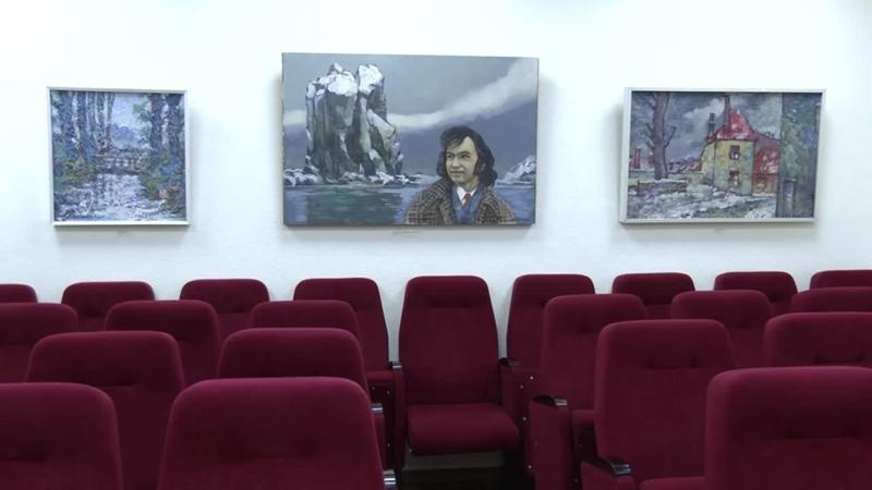 В Музее истории Йошкар Олы открылась выставка Анатолия Галицкого Вне времени