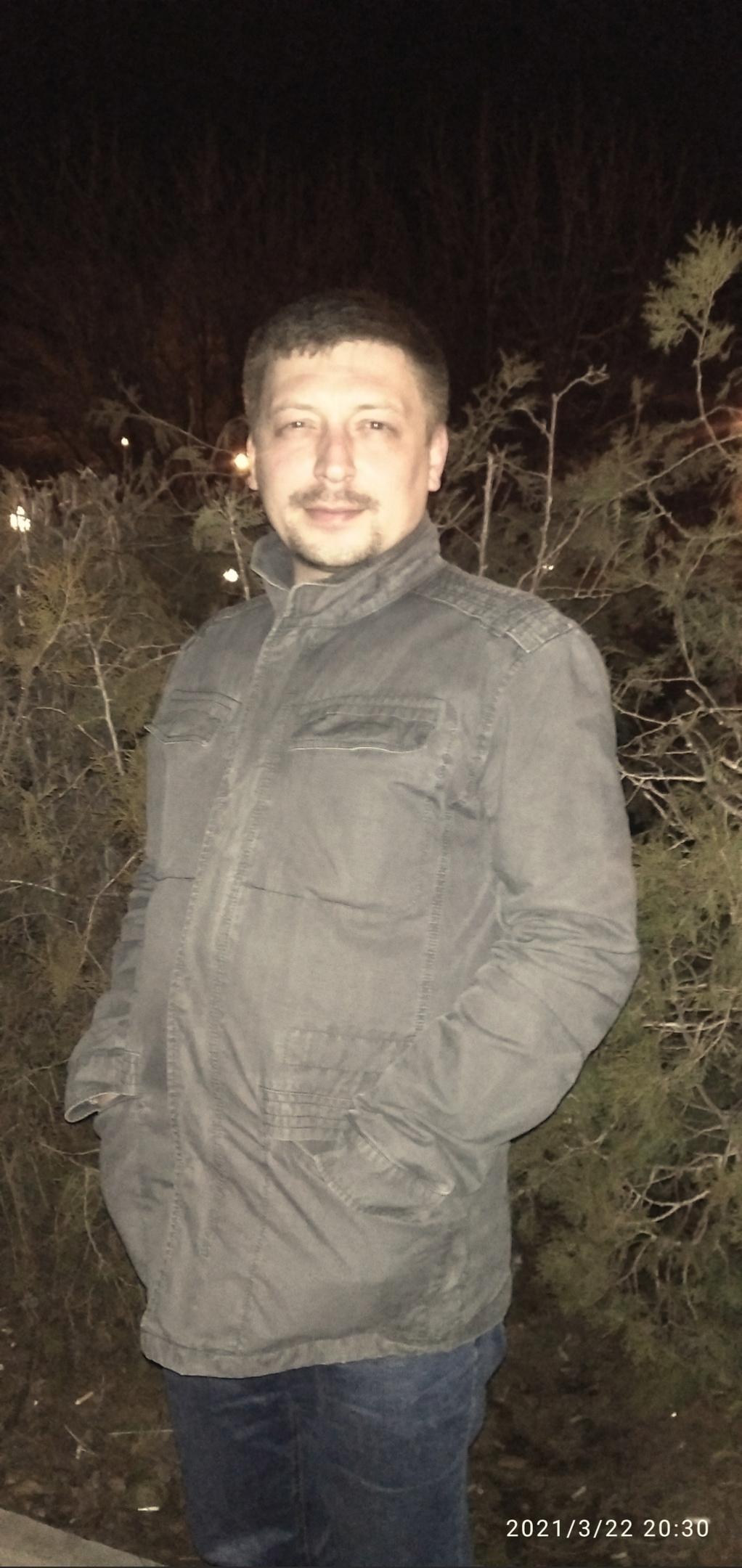 Aleksandr, 29, Alchevs'k