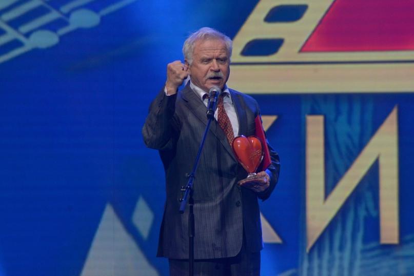 Народный артист РСФСР Сергей Никоненко говорит ответное слово
