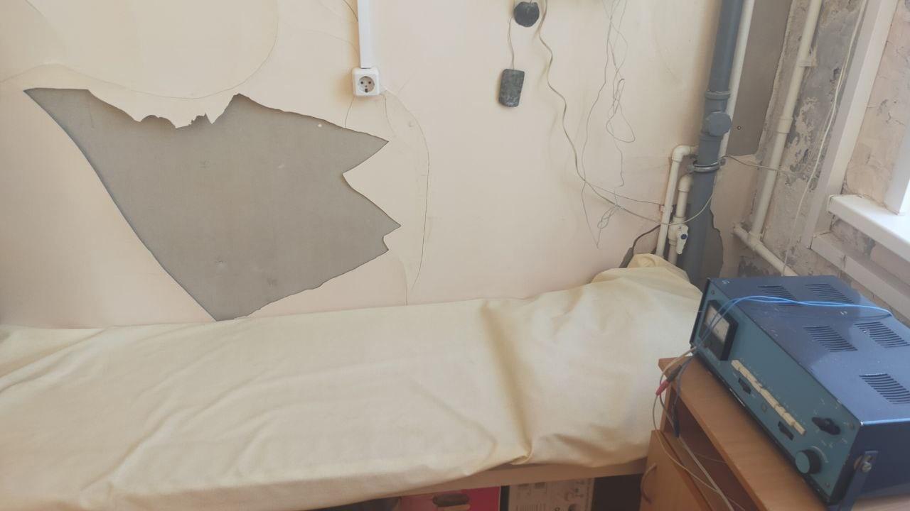Главврач Кимрской ЦРБ пожаловался на облупившуюся краску