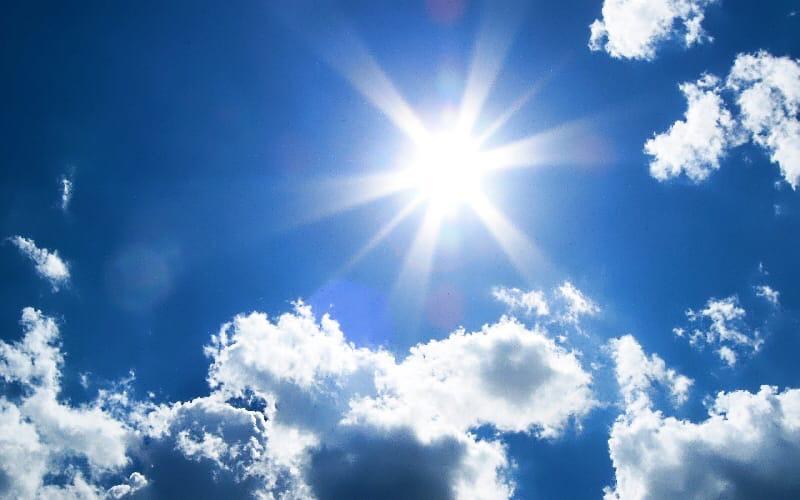 Сегодня весь день будет солнечно, но прохладноДнём