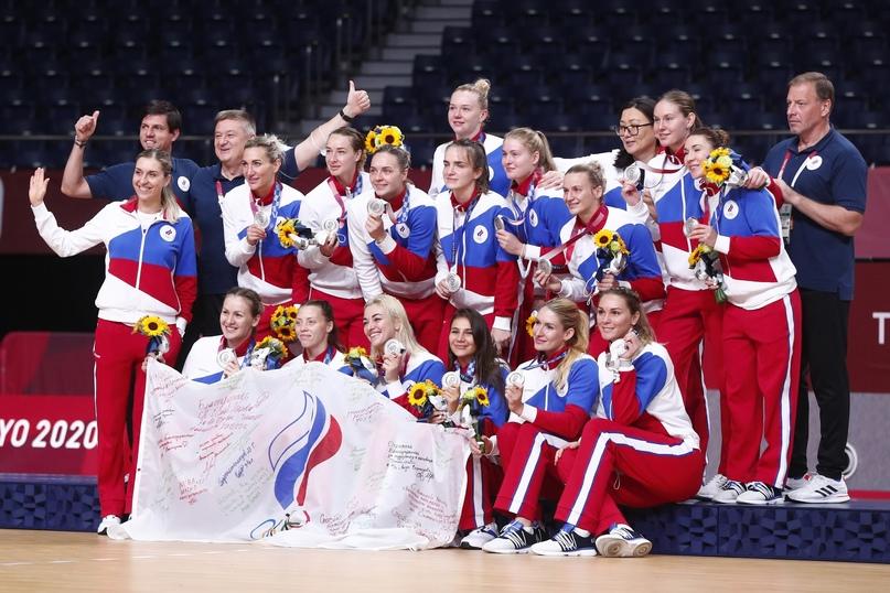 """С Надеждой. """"Это серебро — великое достижение. И путь, который прошла сборная России, тоже велик"""", изображение №1"""