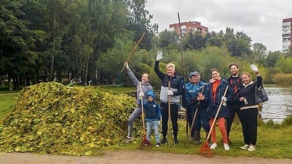 Экомарафон вывел более 550 петербуржцев на уборку городск...