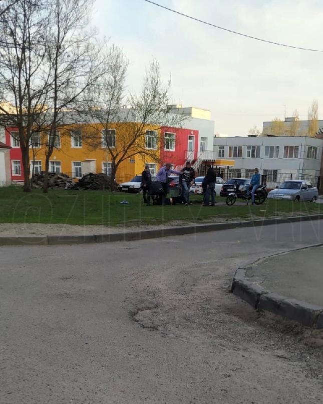 Массовая драка произошла в микрорайоне Шилово вечером 1 мая. По словам очевидцев...
