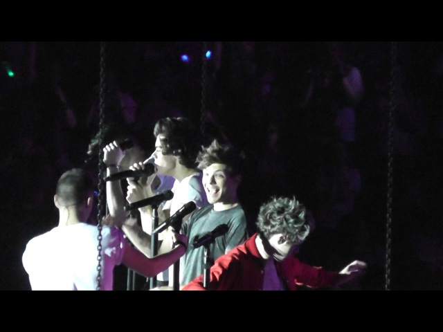 One Direction - LG Arena view from Showdeck - Moments (lilo paynlinson interacting)