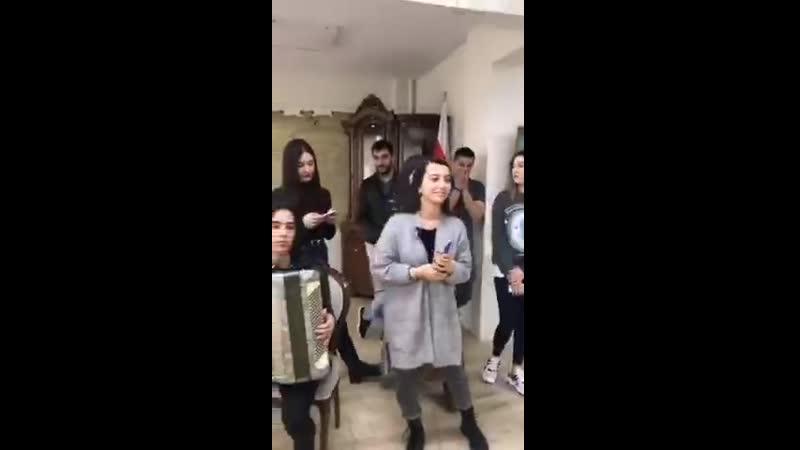 Аланский культурный центр в Стамбуле Молодежь поет осетинские песни