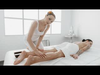 MassageRooms - 69 facesitting lesbians oil massage / Alya Stark, Sydney Love