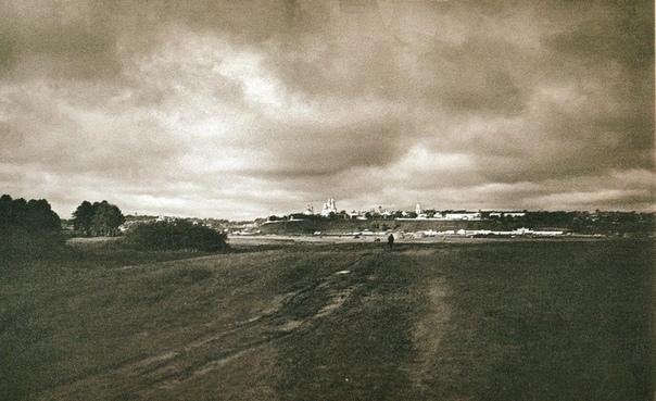 Вид на город Вятка (ныне Киров) из-за реки Вятка. Начало XX в. Фото: С. А. Лобовиков.