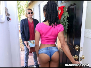 [BrownBunnies] Kira Noir - Anal With Her Present For A Creampie  rq