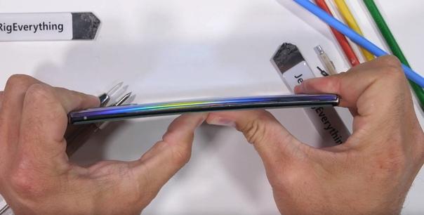 Распаковка и тесты на прочность Samsung Galaxy