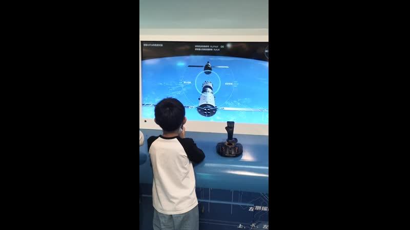 китайские ракеты в торговом центре
